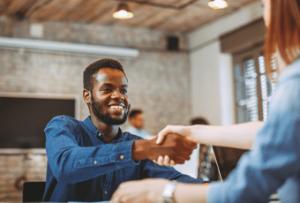 O que fazer para se sair bem em uma entrevista de emprego